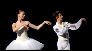 pub-club-med-2014-ballet_6pg7l_32c06s